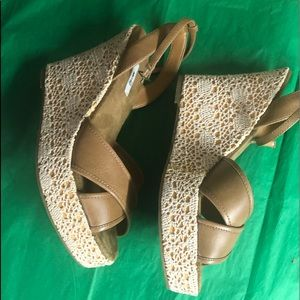 Metro 7 size 9 summer wedges so nice goes Wth all